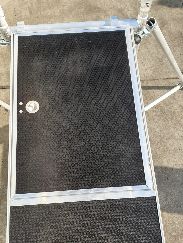 pokretna aluminijumska skela platforma sa vratima