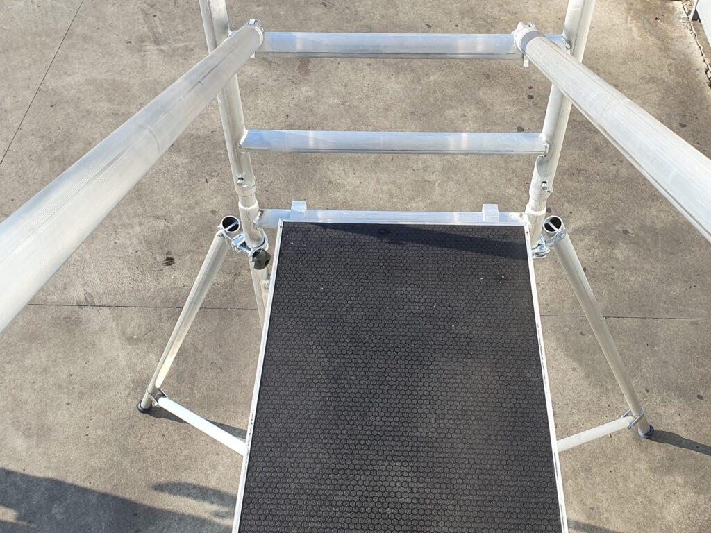 platforma na aluminijumskoj skeli